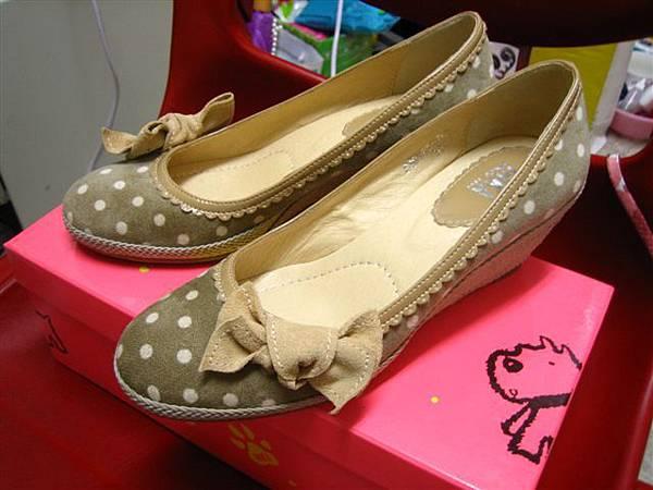 INKA 卡奇色楔型鞋