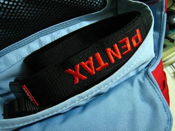 在包包裡的k100d
