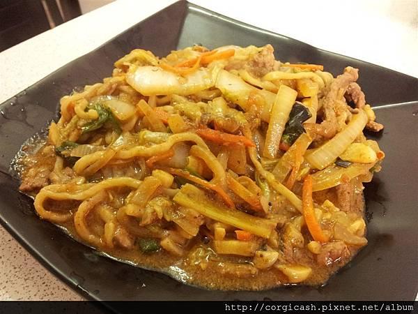 牛肉炒拉麵