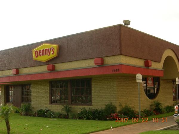 DENNY'S