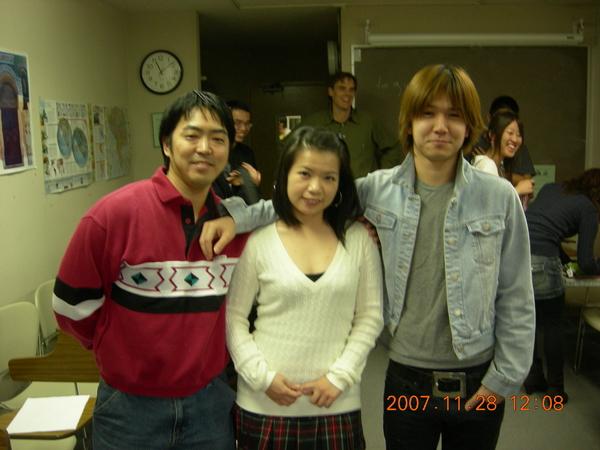Tomo、Lily、Shige