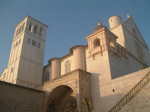 聖方濟大教堂近景