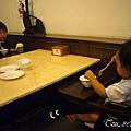 (1Y1M)貝貝記事09-乖乖坐餐椅