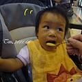 (12M)外出用餐-推車上吃飯