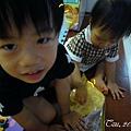 (3Y2M)寶寶貝貝幫忙和麵糰03-寶寶
