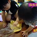 (3Y2M)寶寶貝貝幫忙和麵糰02