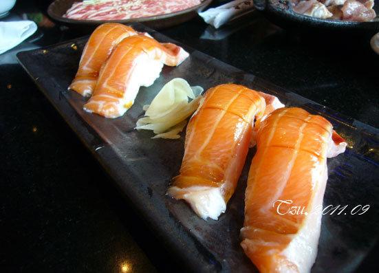 (3Y3M)中秋吃烤肉-鮭魚握壽司