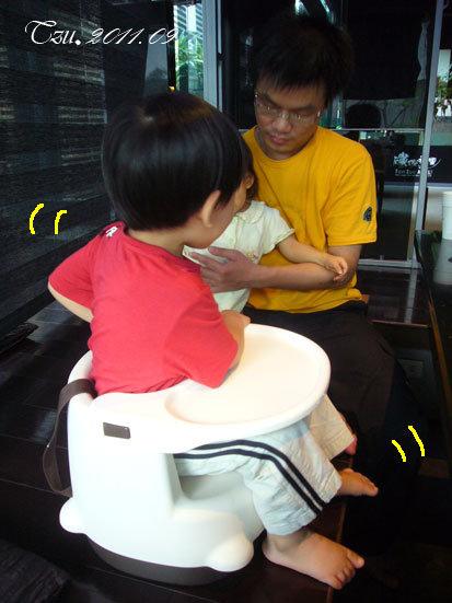 (3Y3M)中秋吃烤肉-椅子換老哥坐