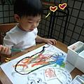 (3Y5M)畫水彩-寶寶畫水彩非常斯文