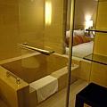 (2Y6M&6M)雲品之旅-房間篇-房間04-浴室02-左轉就進了浴室