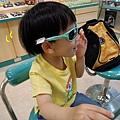 (1Y10M)寶寶戴太陽眼鏡