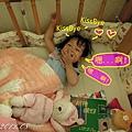 (2Y1M)貝貝睡覺三連拍03-跟媽咪kissbye