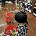 (2Y2M)小人兒們拖小小購物車