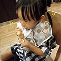 (2Y1M)人生第一次吃蜜糖波提甜甜圈