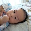 (3m)寶寶吃手指-2