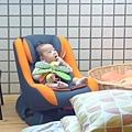 (4m)寶寶與汽車座椅