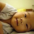 (4m)寶寶想抓相機-2