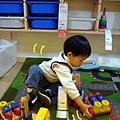 99年生日吃吃吃-IKEA玩玩具