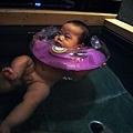 (5m)礁溪老爺-寶寶第一次游泳