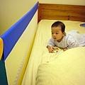 (6m)寶寶新裝備-床邊護欄全貌