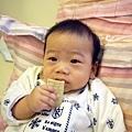 (6m)第一次吃咬牙餅