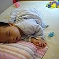 (6m)鼻塞的寶寶睡覺很辛苦