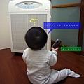 (8m)好奇寶寶vs空氣清靜機-3