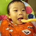 (8m)每個媽的美夢-寶寶乖乖張大口吃飯
