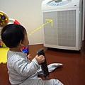 (8m)好奇寶寶vs空氣清靜機-2