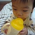 (9m)寶寶新水杯-自己來-1