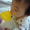(9m)媽咪餵寶寶喝水