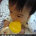 (9m)寶寶會喝另一種水杯了!
