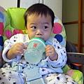 (9m)寶寶喝水-combi水杯