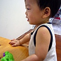 (12M)寶寶學手語2寶寶看得很專心