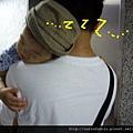 (12M)剪輯-玩太累,從車上睡到電梯還在睡