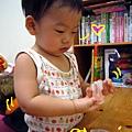 (14M)寶寶清牙工具3-寶寶最愛這款指頭牙刷