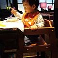 (18M)飯店早餐-娃娃椅也很有設計感