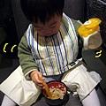 (19M)餐廳吃飯-沒有餐椅的權宜之計