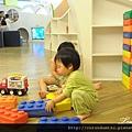 (21M)YOHO-遊戲室-寶寶玩積木-太可愛2