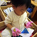 (22M)寶寶戴手套初體驗4-糟糕兩手都被戴上手套