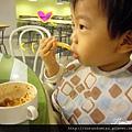 (22M)IKEA花絮-簡單解決晚餐之兒童餐果然抓住寶寶的心