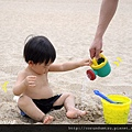 (23m)墾丁.夏都-沙灘玩水-不時在洗腳01