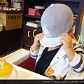 (23M)看牙醫-新帽子02-已經到餐廳裡面還在躲狗仔?