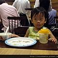 鼎泰豐-陪爸媽吃飯的寶寶02