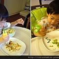 (2Y3M)寶寶用筷子-什麼都來夾
