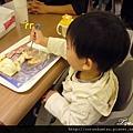 (4M)寶寶吃心愛的麵包