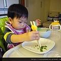 (2Y4M)用筷子01