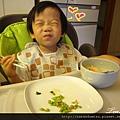 (2Y4M)筷子逐漸熟練03-笑瞇瞇