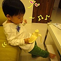 (2Y5M)像小猴子吃香蕉02