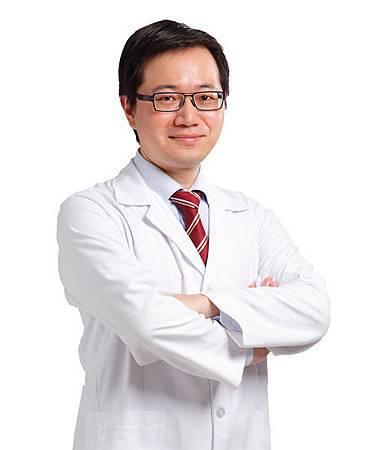 台中隆鼻韓式鼻雕|隆鼻權威醫師|台中菲仕美楊學穎